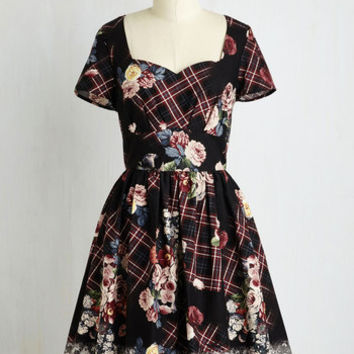 Mid-length Short Sleeves Fit & Flare Charm Convention Dress in Floral Plaid