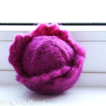 Purple cabbage. Play food. Kitchen decor. Needle felted, 100% wool. Handmade toy.