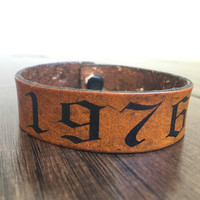 Custom Leather Date Bracelet,Stamped Leather, Year, Birthdate, Vintage Look, Retro Style Jewelry, Birthday Gift, Mothers Gift