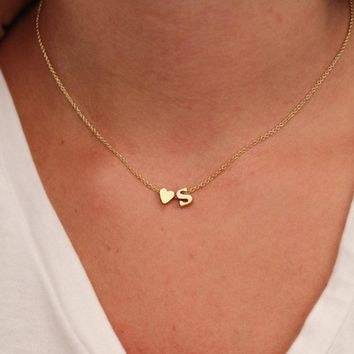 New Tiny Dainty Heart Initial Necklace Personalized Letter Pendant Necklace Name girlfriend gift statement Jewelry collier femme