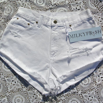 "High Waisted Distressed Vintage Shorts Size 8 Milky Fr3sh ""Jenah"""