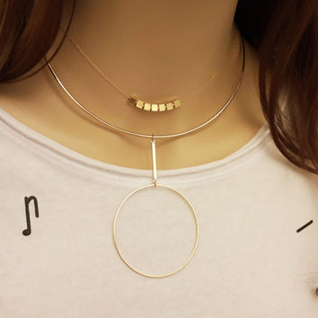 Gold Circle Choker, Circle Necklace, Geometrical Rigid Necklace,  Choker with circle, Collar Necklace, Minimalistic Jewelry / N261x