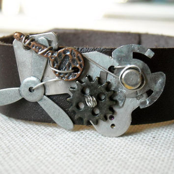 Steampunk Bracelet,Brown leather cuff with Watch Movements ,Women's leather wristband,Women's leather wristband,Propeller Steampunk ,
