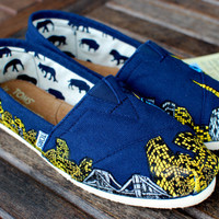 Custom New York City Skyline TOMS shoes by BStreetShoes on Etsy