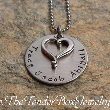 Free Shipping Personalized necklace with open heart charm mothers grandmother grandma necklace