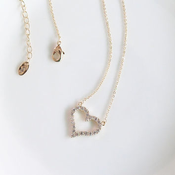 Gold Heart Necklace/Heart Pendant Necklace/Delicate Necklace/Simple Chain Necklace/Minimalist Necklace/Dainty Necklace/Tiny Heart necklace
