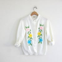 1950s Cardigan / Vintage 50s embroidered granny Sweater / floral