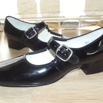 Vintage 60s Ultra MOD Black Patent Baby Doll Mary Jane Pumps 8 1/2 Leather Shoes Heels Round Toes