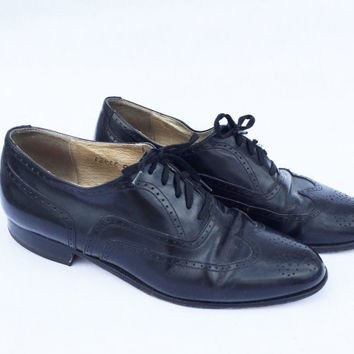 Vintage 1980's black leather wingtip shoes, US mens size 7 1/2 D, made in Italy