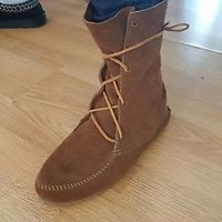 MINNETONKA Ankle LACE UP SOFT SUEDE-WMNS SZ 8.5 BOOTS shoes BOHO EUC