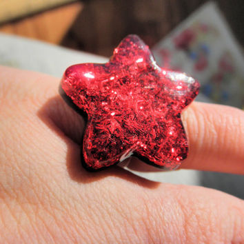 Red Star Tinsel Glitter Resin Cabochon Adjustable Silver Tone Ring