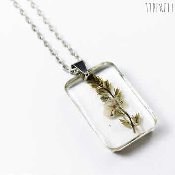 Pressed Flower Necklace - Rectangular Real Flower Resin pendant - Resin Necklace -Resin Pendant - Botanical Jewelry - Dried flower