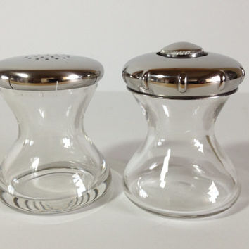 Vintage Wilhelm Wagenfeld Max und Moritz Salt Shaker & Pepper Grinder WMF Cromargan Stainless Hour Glass Design Made in Germany