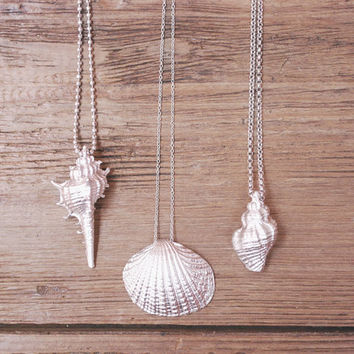 Shell necklaces for women - Shell pendant necklace - Seashell clam necklace - Mermaid jewelry