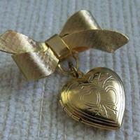 Vintage Romantic Heart Locket