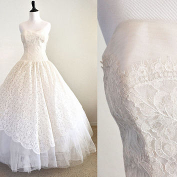 1950s Wedding Dress Tulle and Lace Cupcake