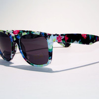 FREE SHIP usa! Trendy flower sunglasses / floral print sunglasses / ray-ban wayfarer inspired / tumblr sunlgasses / Grunge / hip /