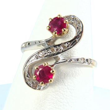 Ruby and diamond crossover ring set in solid 18K gold, Stamped fine French jewelry