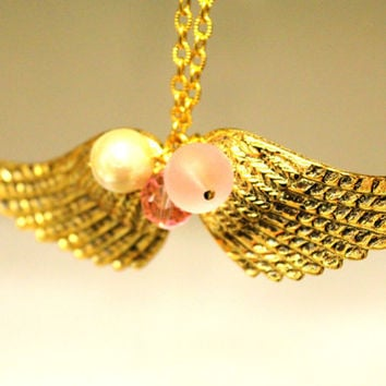 Angel wings necklace shabby chic pink and pearls by iloniti