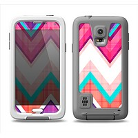 The Vibrant Pink & Blue Chevron Pattern Samsung Galaxy S5 LifeProof Fre Case Skin Set