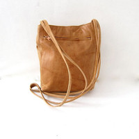 vintage leather purse. sandy brown leather purse. cross body bag.
