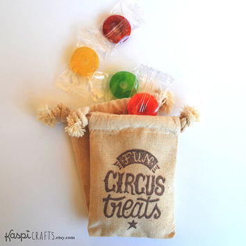Muslin favor bag, circus party, treat bag, cotton favor bag, party favor, fabric bag for gifts, PACK OF 10