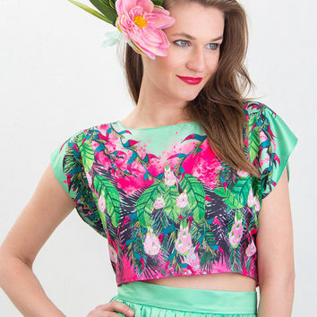 Neon pitaya - printed crop top