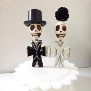 Day of the Dead Cake Topper Bride Groom Sugar Skull Caketopper Gothic Wedding Full Bodied w/Stand