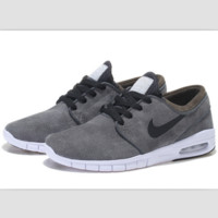 NIKE fashion skateboarding shoes running shoes Carbon gray black