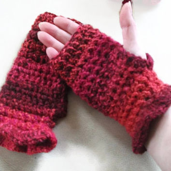 Womens Fingerless Crocheted Mittens/Gloves Small with Ruffle. Fashion Accessories, Wristwarmers, Handwarmers. Winter Warmers,