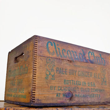 Vintage Wood Crate, Clicquot Club, Ginger Ale Box, Soda Crate, Millis, Massachusetts, Vintage Wooden Crate