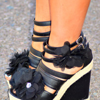 GARDEN SOLE BLACK WEDGES