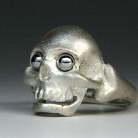 Skull Ring Silver set with stainless steel ball by jewelscurnow