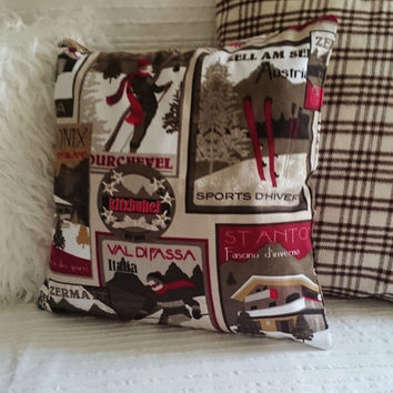 Cushion printed cotton, ski in Alps mountain design, cosy chalet mood, snow and mountains, winter sport theme