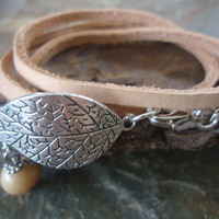 Veined LEAF IN NATURE leather strap and palm seeds by AsaiBolivien 9,90 US$