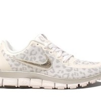 NIKE Free 5.0 Women's Running Shoe Leopard Print White Metallic Silver Wolf Grey (6, WHITE/METALLIC SILVER-WOLF GREY)