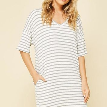 Striped Casual Knit Dress with Pocket