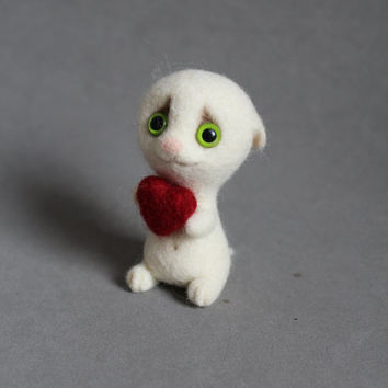 Needle felted white kitten with heart ,white-Ooak valentine gift-home decoration-wool cat