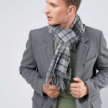 Glen Lossie Lambswool Tartan Scarf In Grey at asos.com