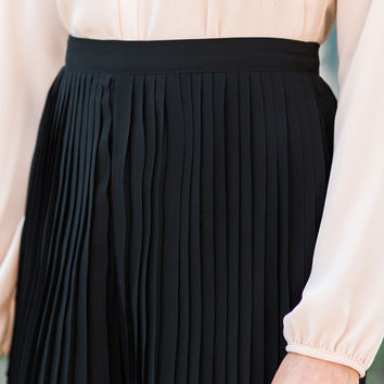 Maria Pleated Black Shorts