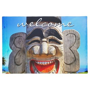 """Welcome"" funny laughing wooden face photo doormat"