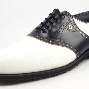 Footjoy Classic New Mens Golf shoes 10 EEE Spikeless Saddle Style 55228 Black / White