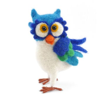 Needle Felt Owl soft sculpture, felted miniature, art doll, wool.