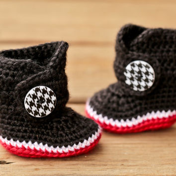 Crochet Baby Booties - Houndstooth Black Red and White Baby Boots - Newborn Baby - Baby Boy - Baby Girl - Baby Shower