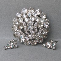 Gorgeous BIG 1950's Vintage Unsigned Eisenberg Crystal Rhinestone Pin & Earrings Set with Icing