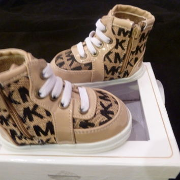 MICHAEL MICHAEL KORS Baby Sneaker/Crib Shoes Sz 1-3