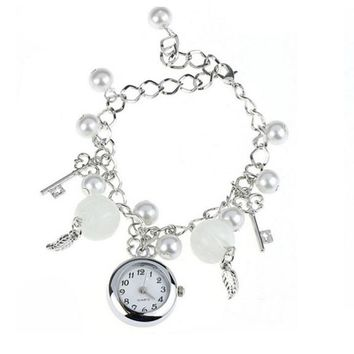 Fashion Charms Bracelet Quartz Wrist Watch