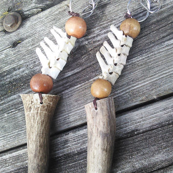 Real Elk Antler, Bone Key Chain,Vertebrae Spine Keychain,Boho keychain, Bone Lanyard,Shaman Jewelry, Pagan Key chain, Wiccan Pagan Hunter