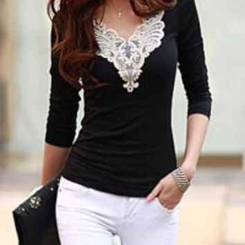 Black and White  V-Neck Lace Long Sleeve T-Shirt