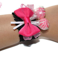 WanPink and Black Lollipop Wrist Corsage, Candy Corsage, Lollipop Corsage, Prom, Corsage, Homecoming, Wedding, Bridesmaid, Flower Girl, Pink